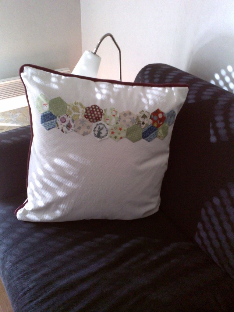 Coussin patchwork hexagone